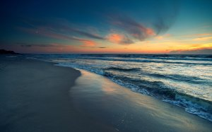 silence_of_the_sea_by_vally5-d5dwtu9